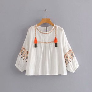 Fashion New Embroidery Blouse Tassel Crewneck Puff Sleeves Short Blouse Boho Casual Woman Tops