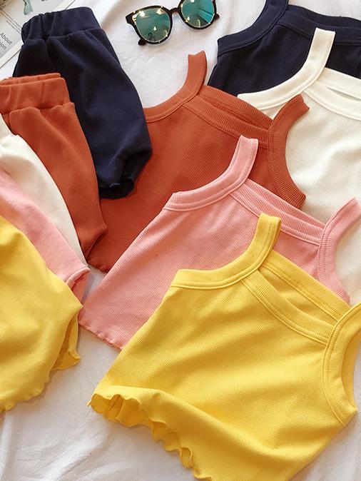 幼児の子供の赤ちゃんの女の子の夏服セットスリングトップスシャツショーツ2ピース夏の綿の赤ちゃんの女の子の衣装綿の服