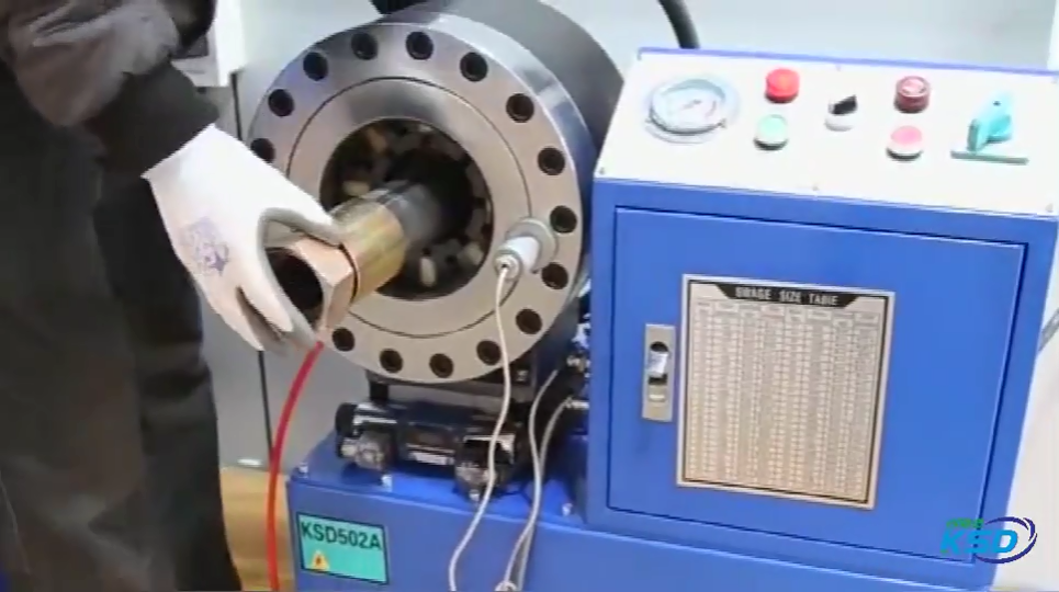 DX68 fabrik direkt-verkauf maschine drücken sie 2 zoll 4 drähte geflochten hydraulischen schlauch crimpen maschine