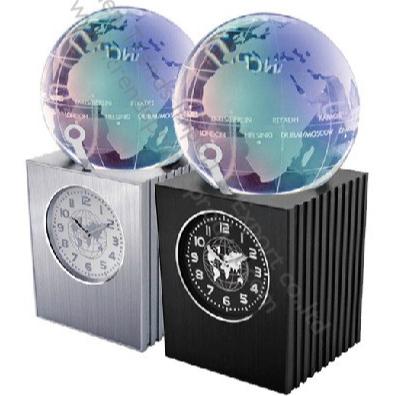 Luxury 7 color changing 24 time zone stylish elegant crystal reward souvenir world globe turntable desk clock