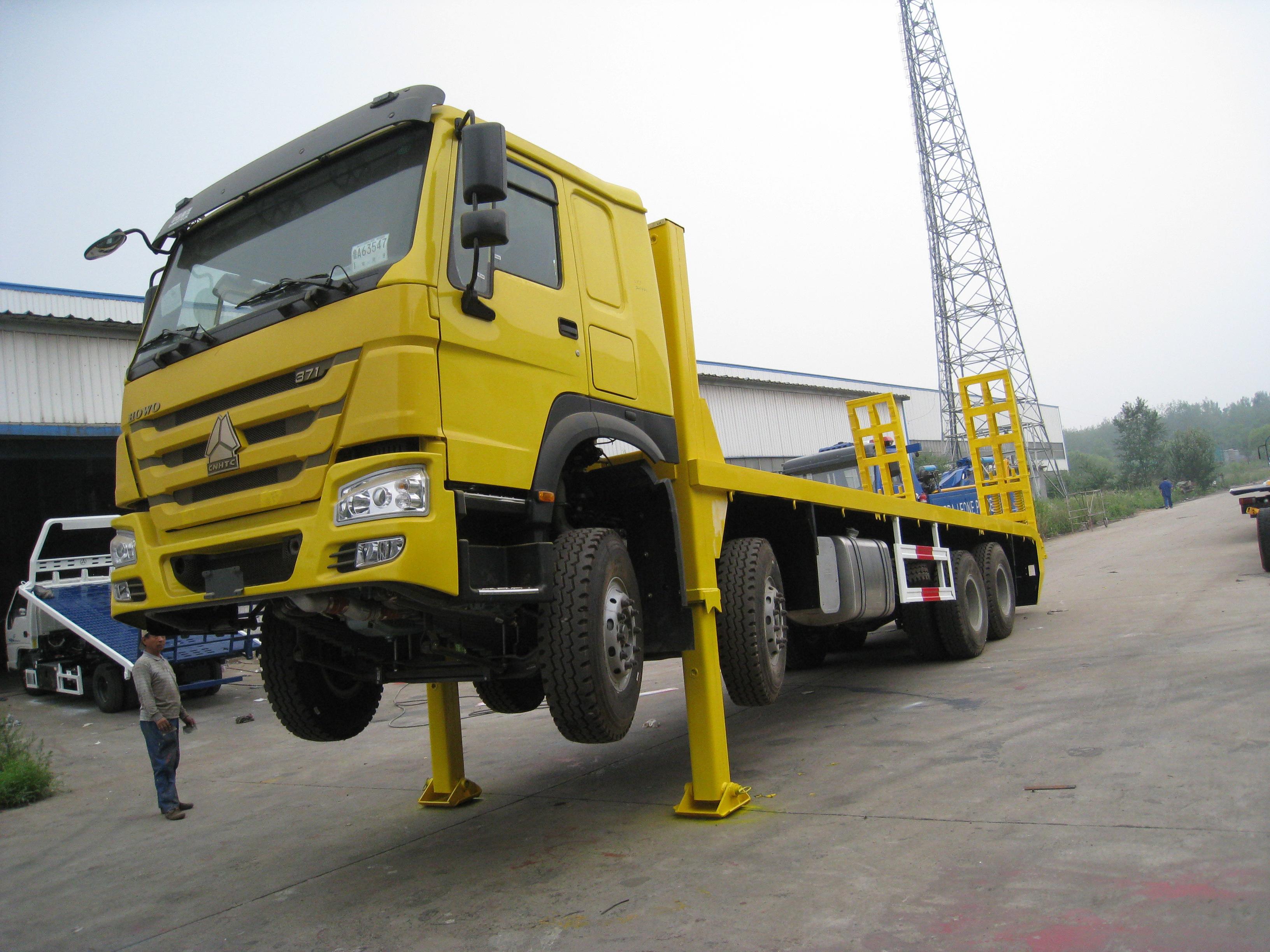 Sinotruk Howo Self Loader - Buy Isuzu Wrecker Truck Towing