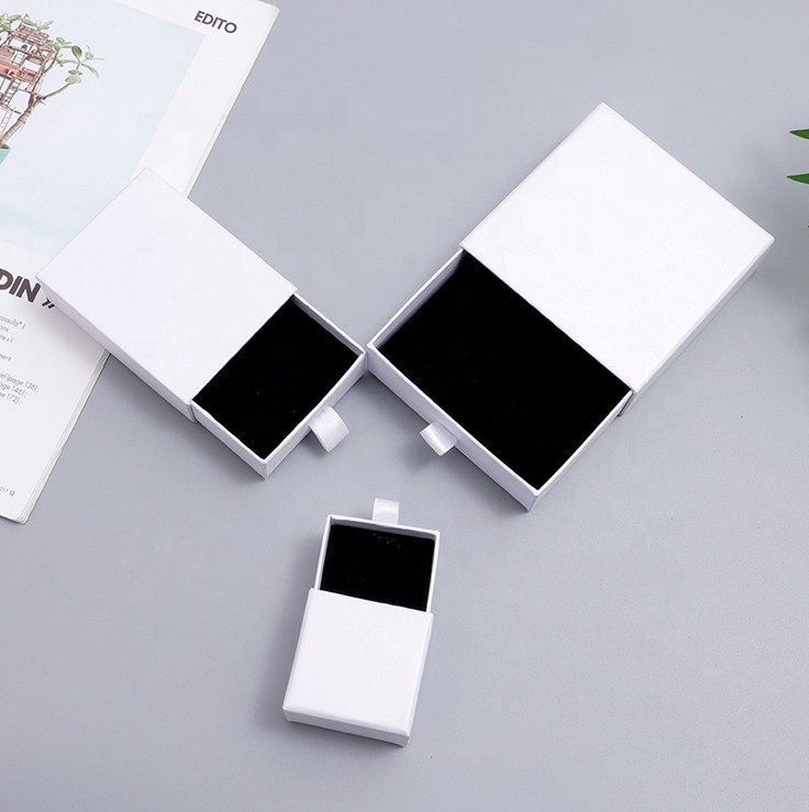 White drawer type jewellery packaging boxes for earrings