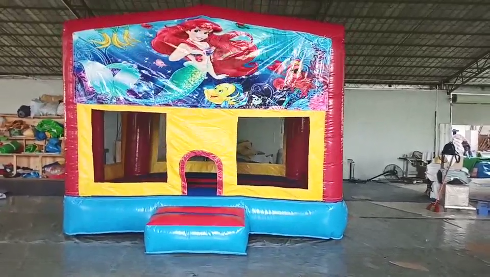 स्वनिर्धारित बैनर के लिए inflatable उछाल घर महल