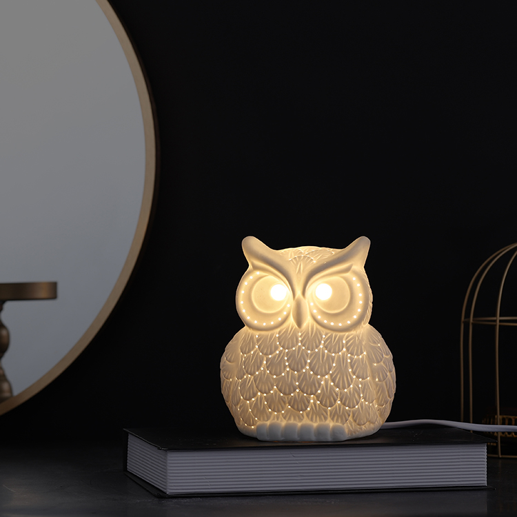 Unique custom owl shape white indoor and outdoor home decoration