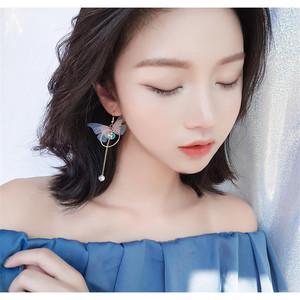 2019 Korean Retro Asymmetric Long Wings Statement  Earrings Butterfly Drop Pearl Clip Earrings