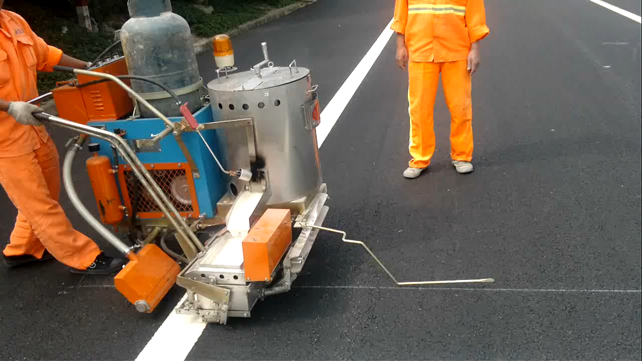 thermoplastic spraying road line marking removal machine