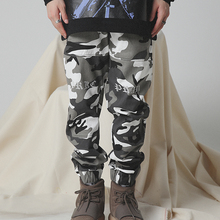 GRKC <span class=keywords><strong>en</strong></span> stock printemps femmes militaires outwear jogging taille haute <span class=keywords><strong>imprimé</strong></span> logo sport camouflage <span class=keywords><strong>sergé</strong></span> coton <span class=keywords><strong>pantalon</strong></span> cargo pour hommes