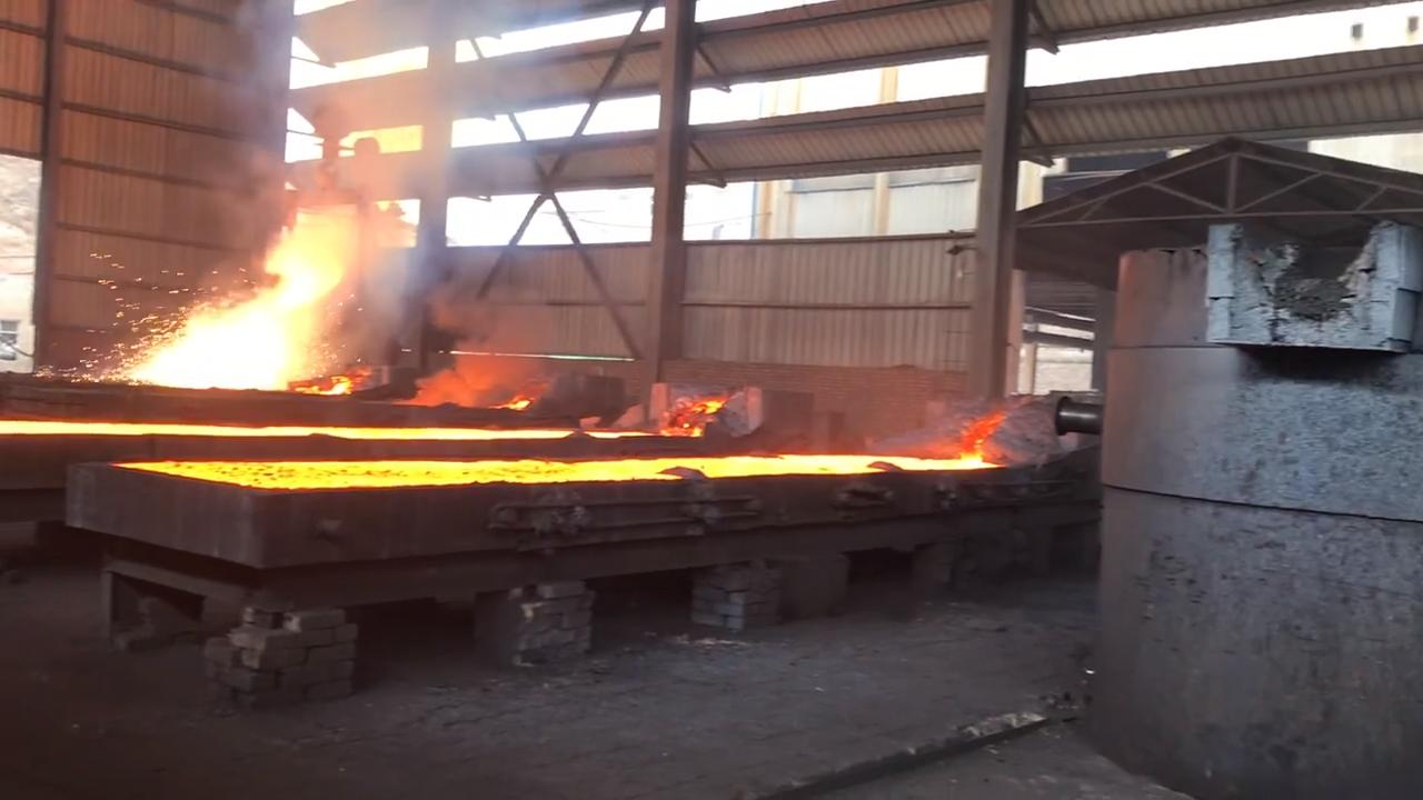 Factory Price FeSi72% FeSi75% 10-50mm FeSi75