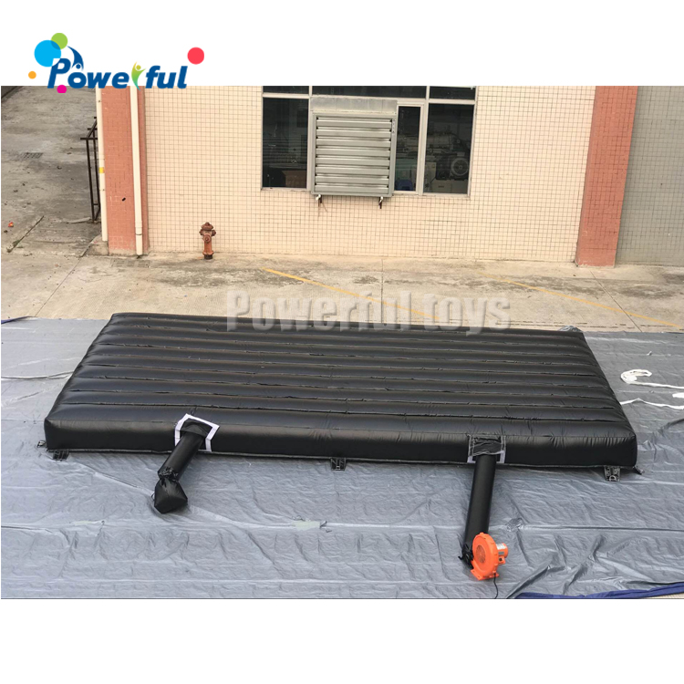 Outdoor  landing airbag inflatable soft landing air mattress jumping air mat for landing