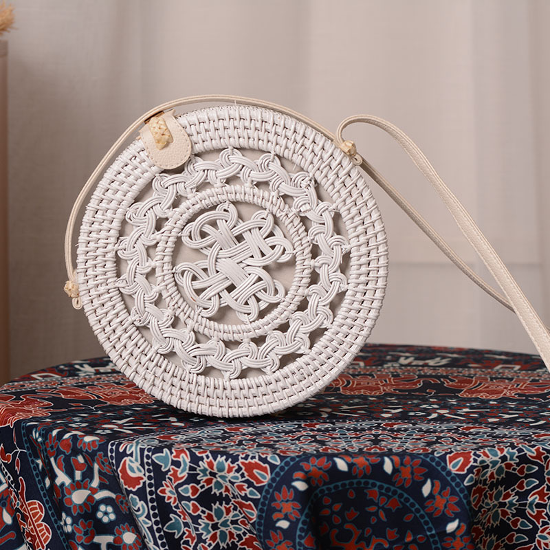 Retro fashion personality beach holiday handmade rattan white 20*8PU leather buckle ladies shoulder bag