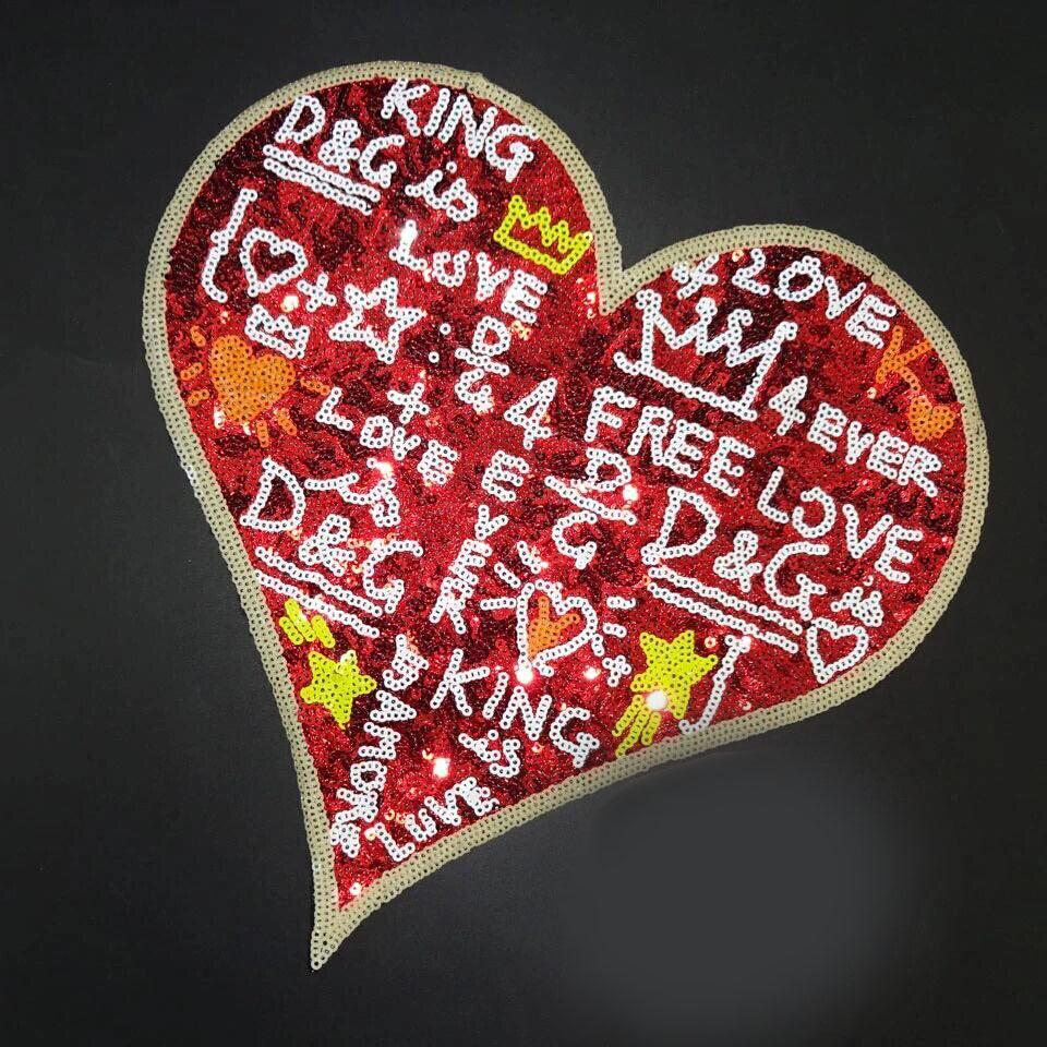 Grande reversibile ricamo a forma di cuore patch di paillettes cucire su capi di abbigliamento