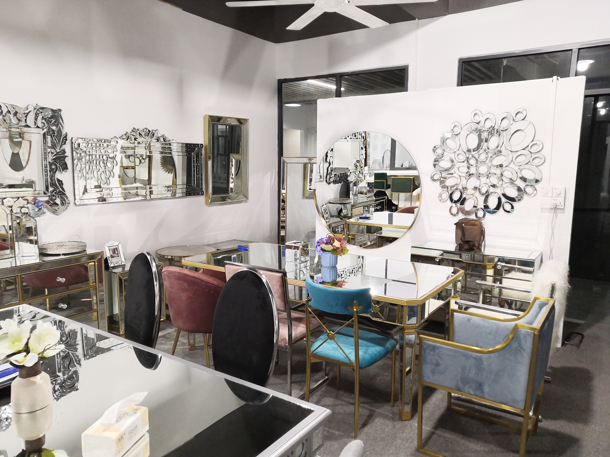Miroir Moderne En Forme De Diamant Table Basse Pour Meubles De Salon Buy Table Basse A Miroir De Style Diamant Table Basse De Salon En Miroir Table