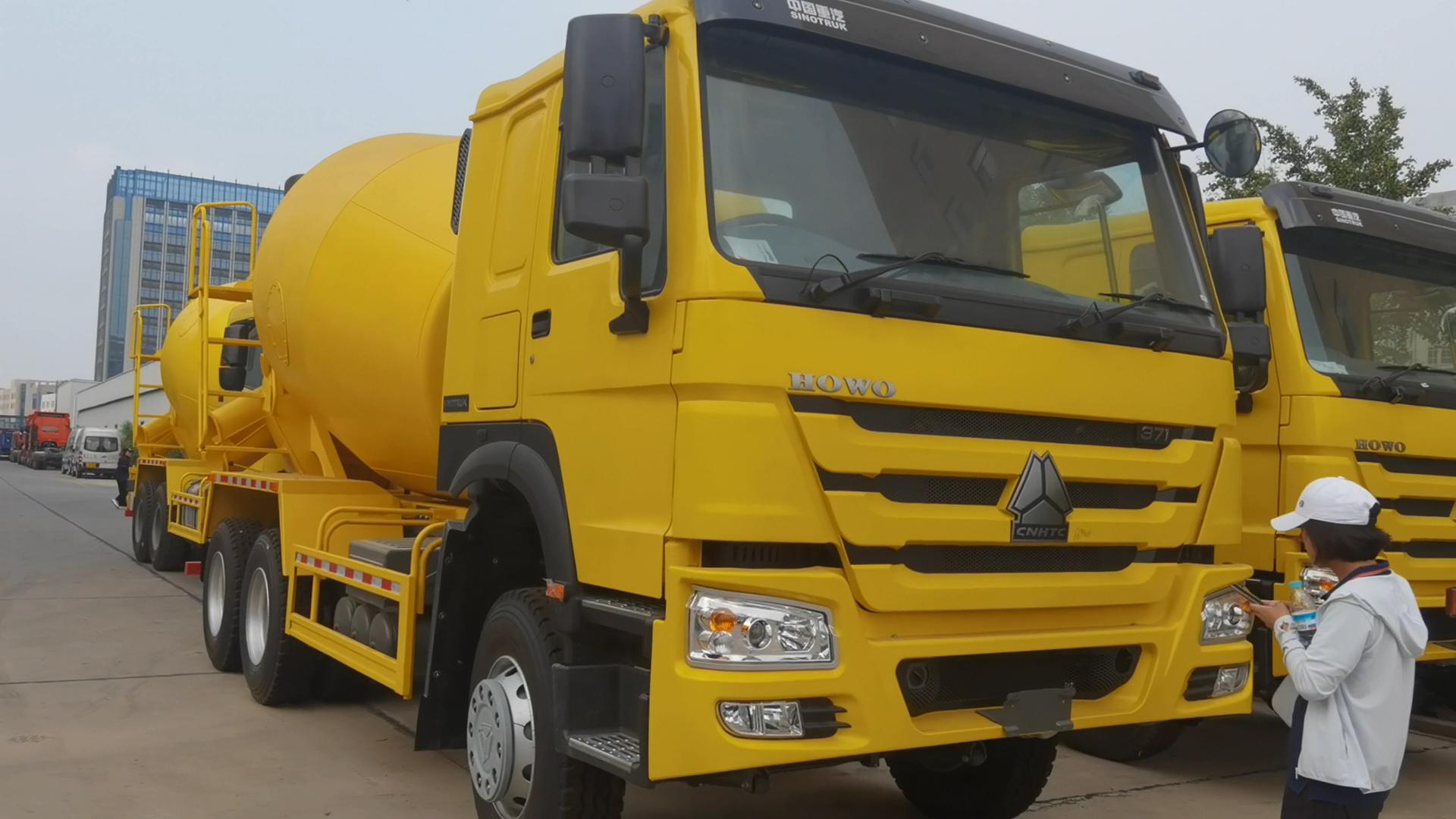 De hormigón montada en camión transportador de lote camión