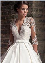 Атласные свадебные платья трапециевидной формы с глубоким v-образным вырезом, кружевные накладные аппликации на половину рукава, свадебное...(China)