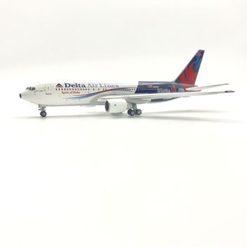 400 scale 767-200 diecast aircraft models for N102DA Delta Airlines