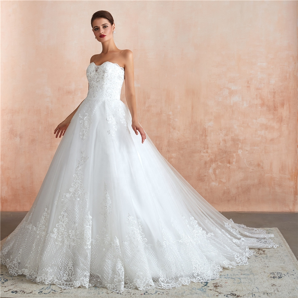2020 luxury wedding dress Ball gowns sweetheart wedding dress bridal gowns  african white lace fabric wedding dress ball gown