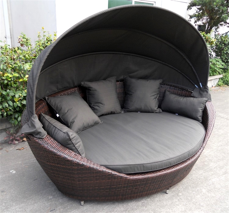 Outdoor Garden Patio Waterproof PE Rattan Resin Wicker Round Daybed with Cancopy