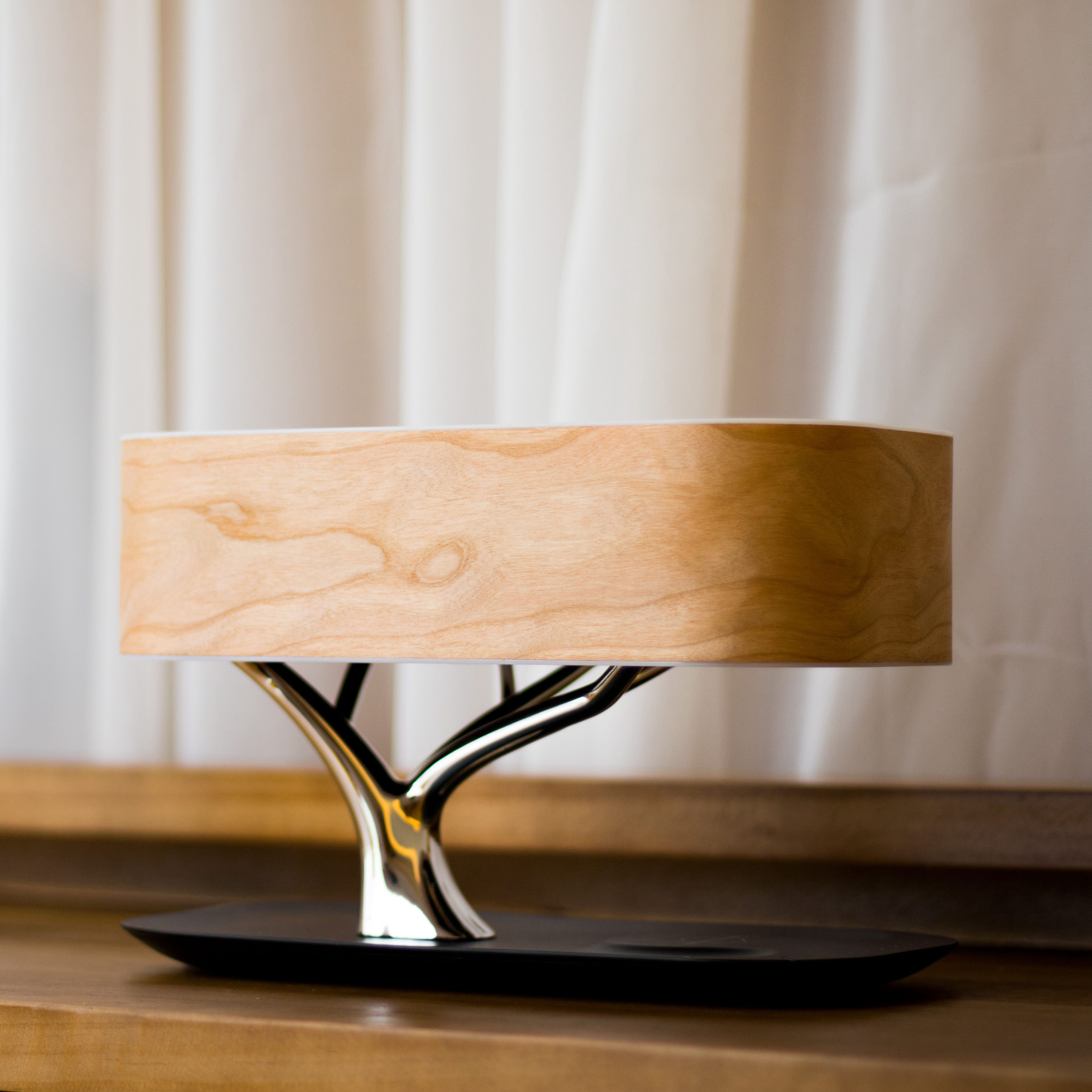 Bedside Table Lamp Bluetooth Speaker and Wireless Charger Sleep Mode Stepless Dimming Tree Light Wireless Charging Desk Lamp
