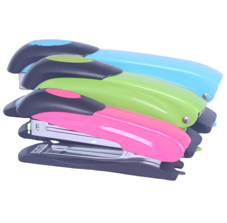 कस्टम लोगो 25 चादरें बुक बाइंडिंग रंगीन बेचनेवाला मशीन 24/6 पिन मैनुअल कार्यालय डेस्कटॉप धातु बेचनेवाला 3 के साथ विभिन्न आकारों