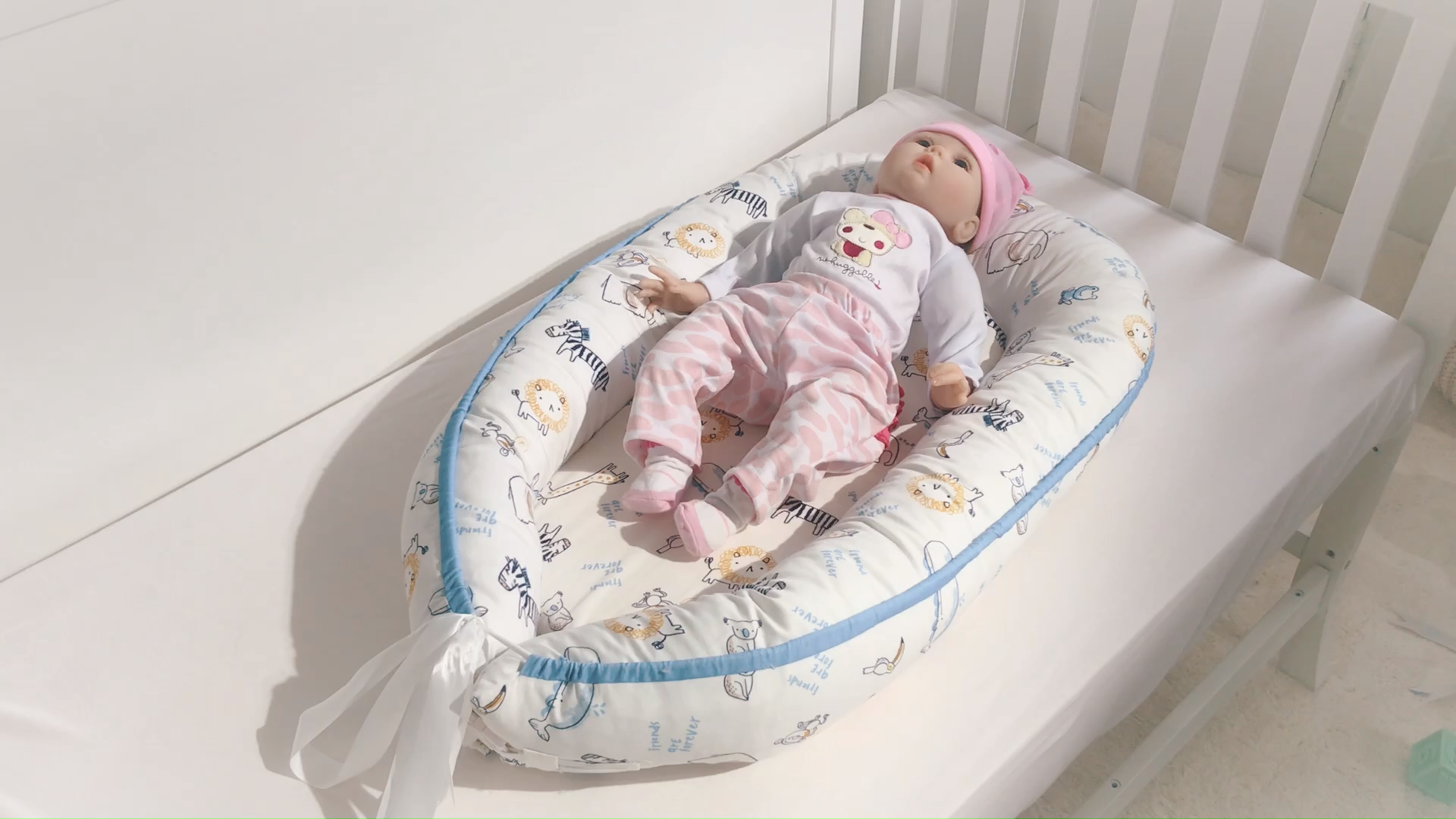 Baby Sleeping Nest Bed100% Soft Cotton Newborn Lounger Portable Crib Suitable Baby nest