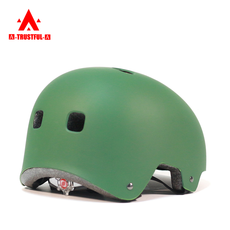 factory direct sale Low Cost skates helmet Head Protection use Out-mold Technology