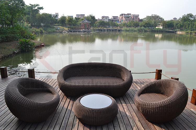 wicker garden sofa set-3.jpg