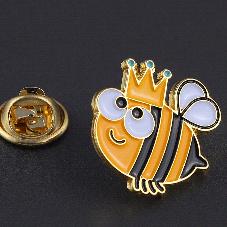 China manufacturer gold enamel custom metal lapel pin for wholesale