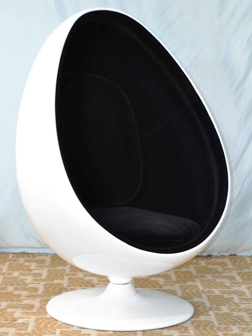 High quality fiberglass shaped egg chair NL2675