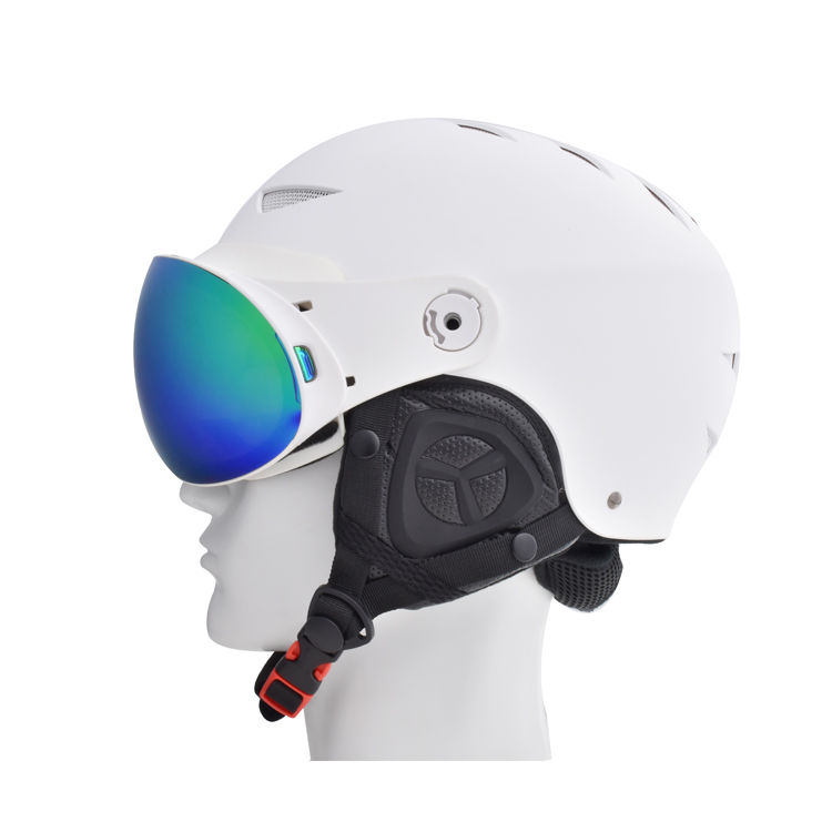 2020 popular model skiing helmet integrative with magnetic ski goggles
