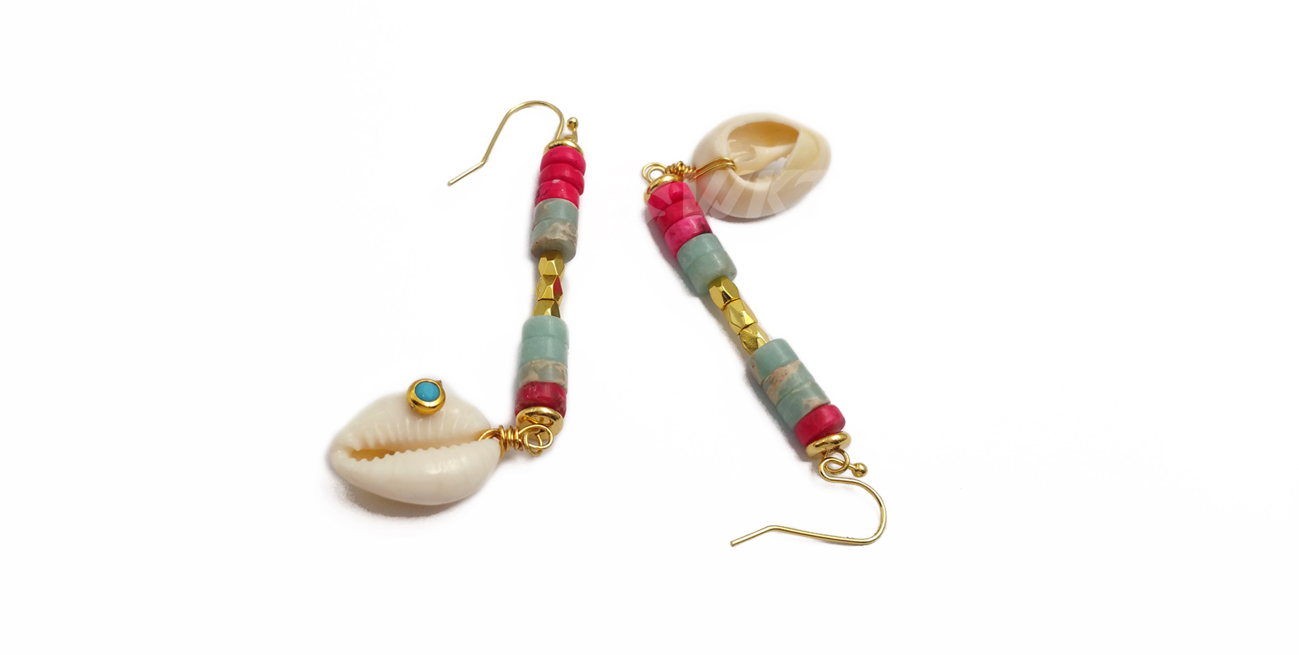WT-E563 New design fashion Long earrings with gold and Coloured beaded string cowrie lady natural cowrie Earring