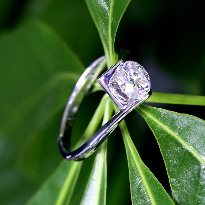 New Trendy Moissanite Ring with 925 Sterling Silver for Girls' Christmas Gift