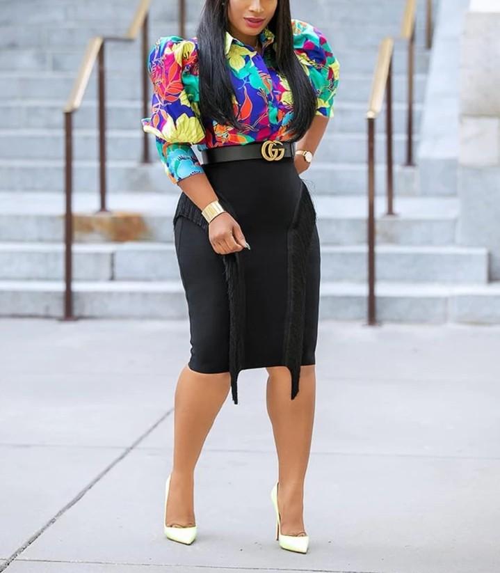 ファッショナブルな黒ハイウエスト膝丈包帯タッセルフリンジ鉛筆女性スカート