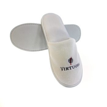 wholesale disposable embroidery custom logo white slippers for hotels