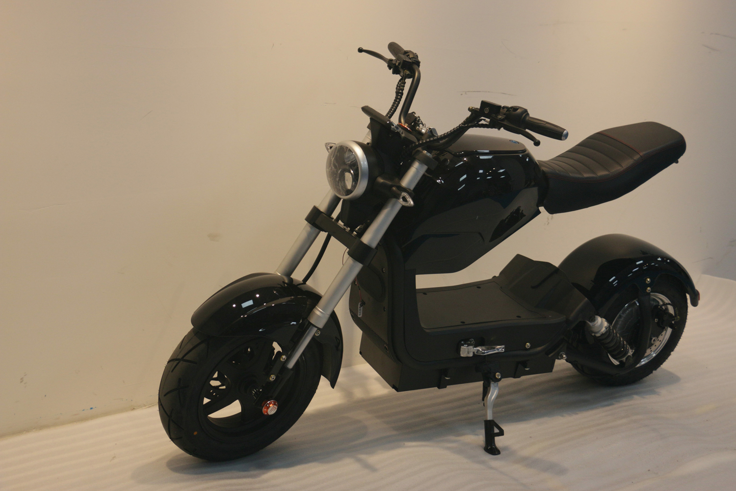 ONAN City Scooter 1500w Long Range Electric Scooter Electric Motorcycle 2000W