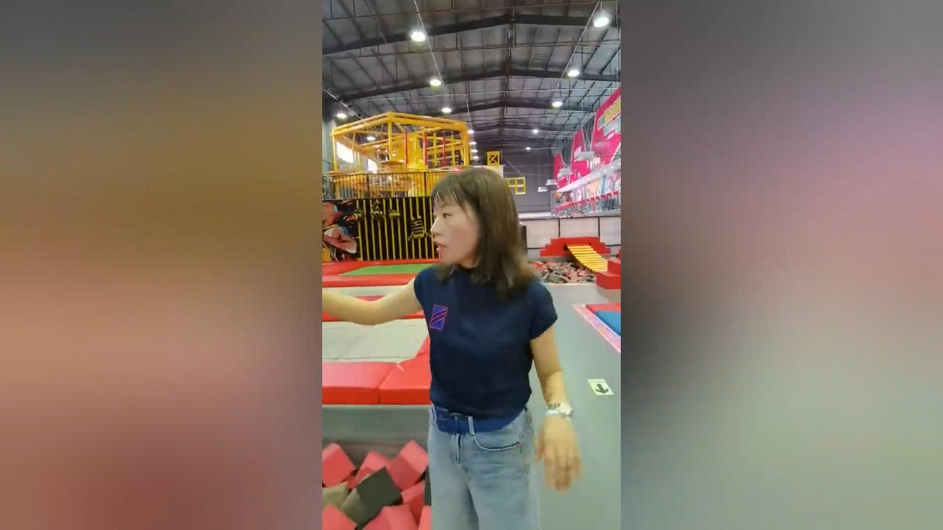 Commerciale coperta Salto Bambino Adulto Rimbalzo Bambini Grande Trampolino Parco Con Sci Scivolo