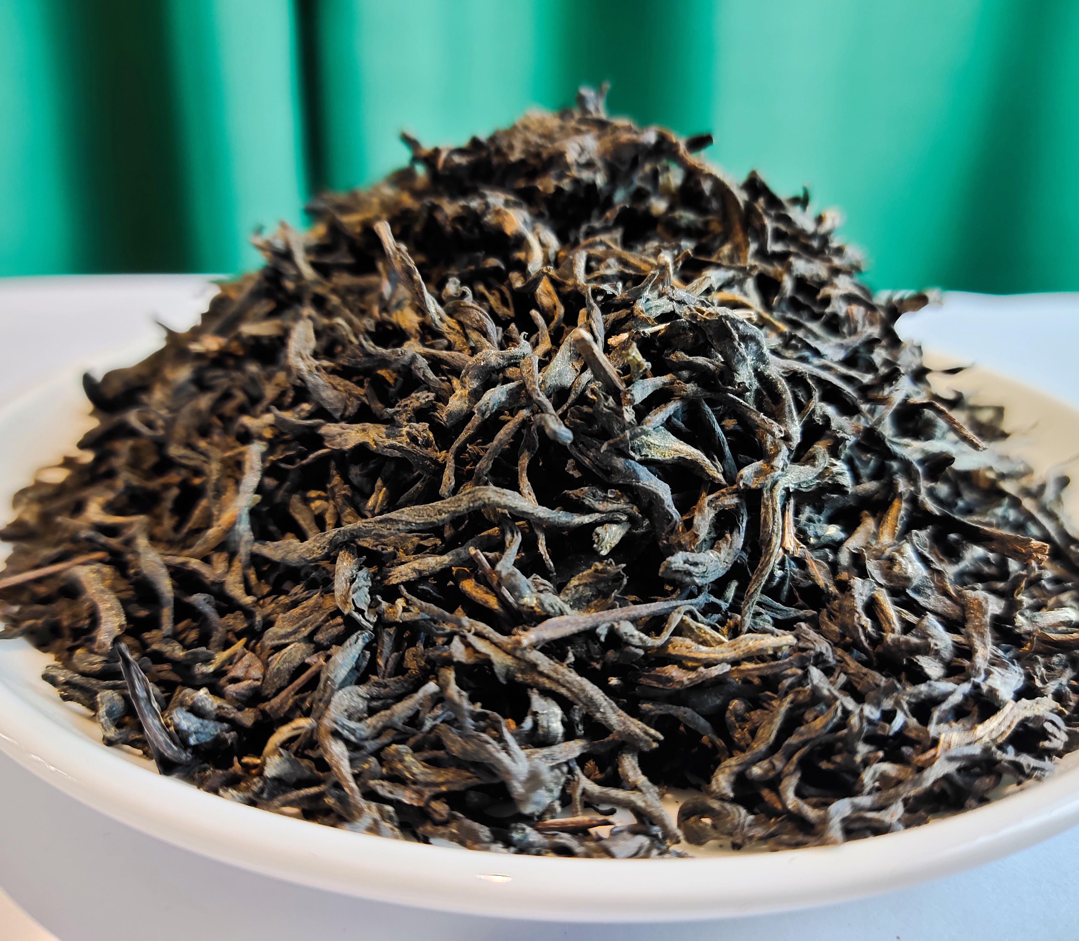 200 grams of a can Hunan dark tea Golden Flower slimming Fu Tea - 4uTea | 4uTea.com