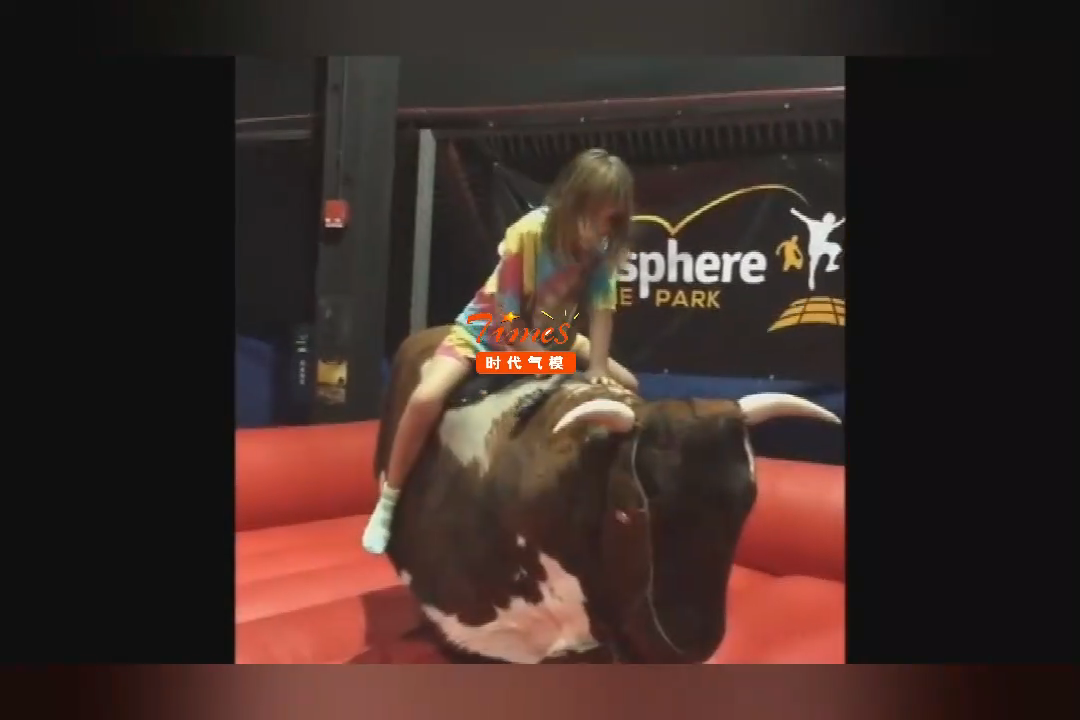 Latest design Inflatable Mechanical Rodeo Bull Games Mechanical Bull Riding Machine