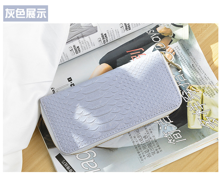 European and American style women's wallet long hand bag fashion Alligator Embossed wallet mobile bag