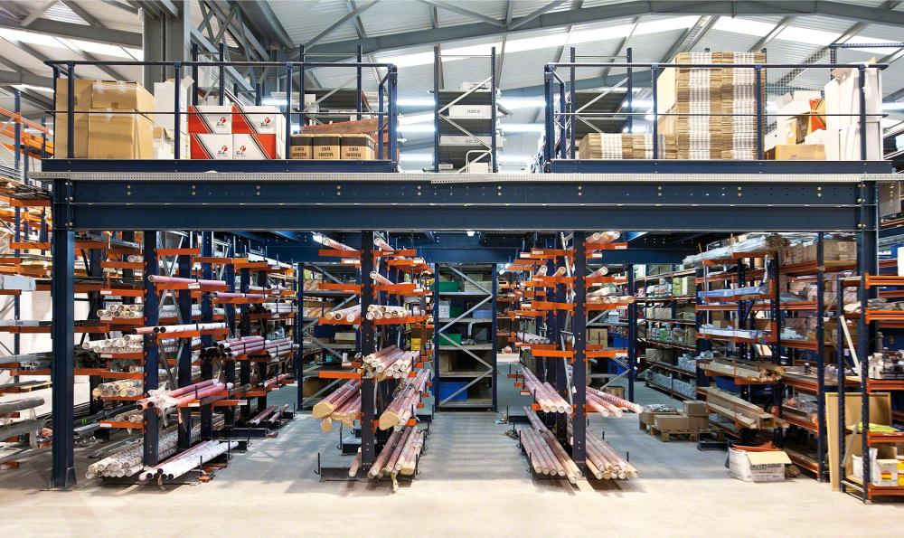 Heavy duty selective warehouse pallet rack stacking system