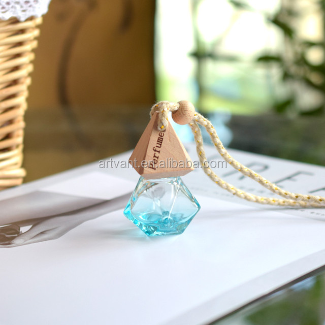 2019 Wholesale 8ml Empty Car Hanging Glass Perfume Bottle Colorful Car Air Freshener Fragrance Diffuser Bottles with Wooden Cap