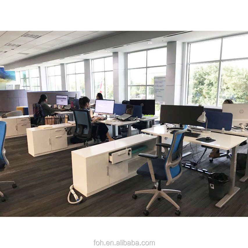 The High End Coworking Office Cluster Workstations Cubicle