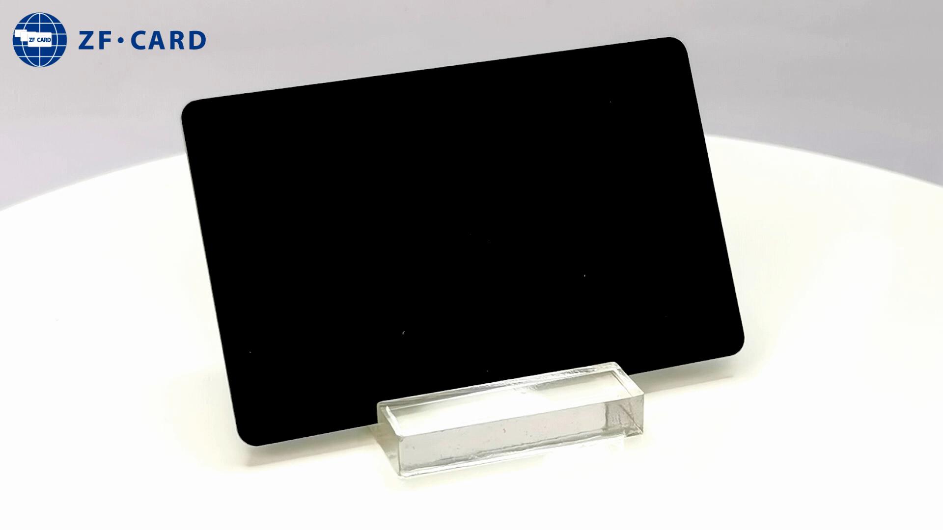 بطاقة بلاستيكية سوداء nfc NTAG215