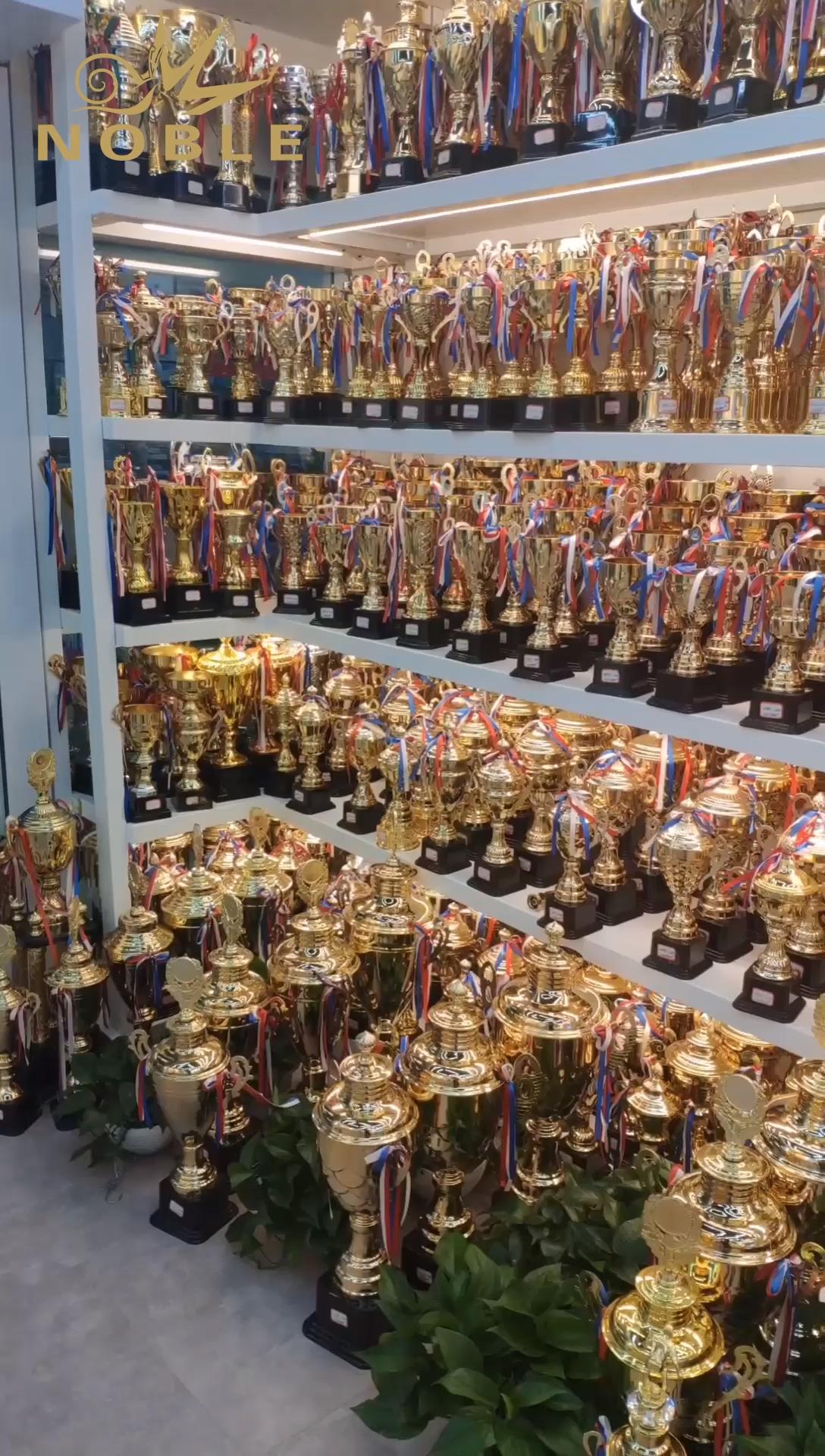 حار بيع الذهب المعادن كأس جائزة الكأس الرياضية