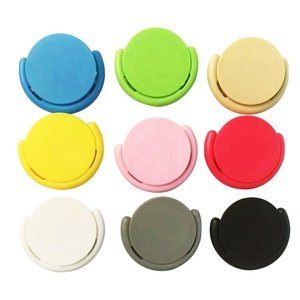 Get free sample 2020 new arrivals popping up phone socket mobile holder cell phone accessories