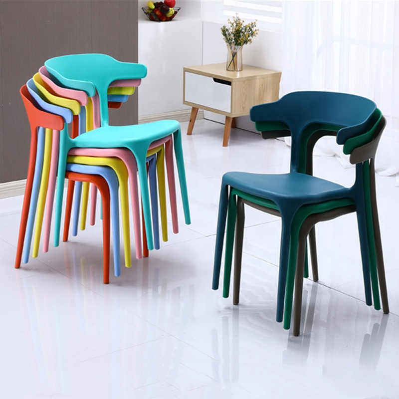 2020 Fashionable cheap dining room Furniture best-selling cheaper plastic chair free sample stackable plastic dining chair