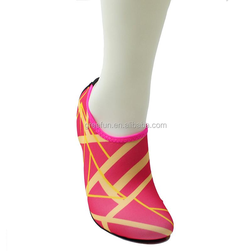 2019 de agua de China zapatos para caminar para nadar. agarre calcetines de Yoga, Pilates, antideslizante calcetines de Yoga nadar de buceo, senderismo, Kayak deportes de playa