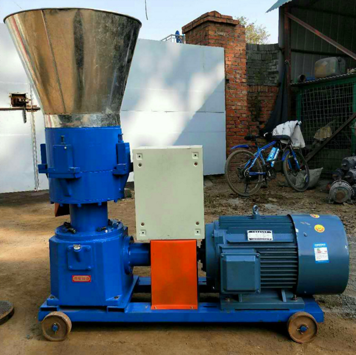 Grass Powder Goat Feed Pellet Processing Cattle Feed Making Machine For Poultry Feed