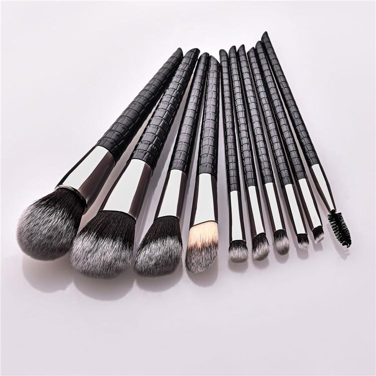 OEM moda timsah desen düşük MOQ 10 adet Vegan bayan makyaj fırçaları kaliteli alet takımı siyah durumda toptan