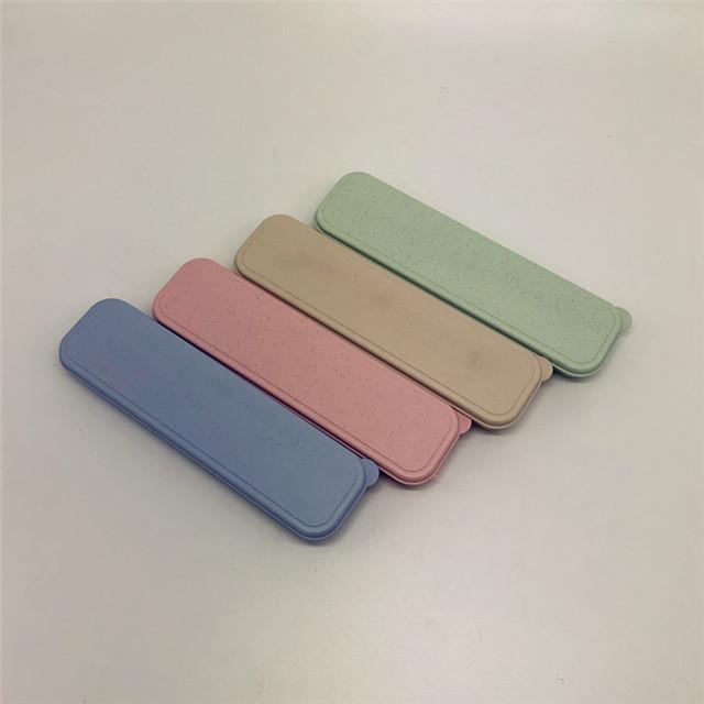 Eco-Friendly 밀 밀짚 Biodegrade 물자 칼붙이 세트 숟가락 포크를 가진 휴대용 Salable Eco Flatwares 세트 식기류