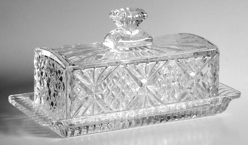 Wholesale Customized Crystal Covered 2-Piece Design Butter Keeper Storage Dublin Glass Butter Dish with Handled Lid